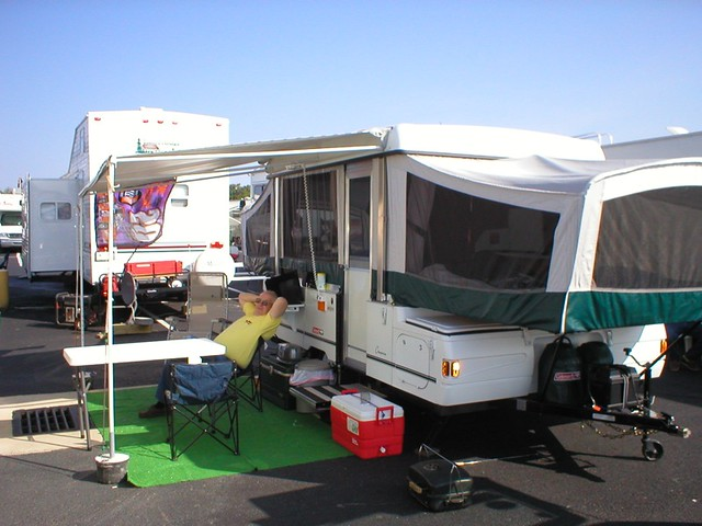 2002 Coleman Cheyenne Pop Up http://www.flickr.com/photos/21000175@N02/2044154848/