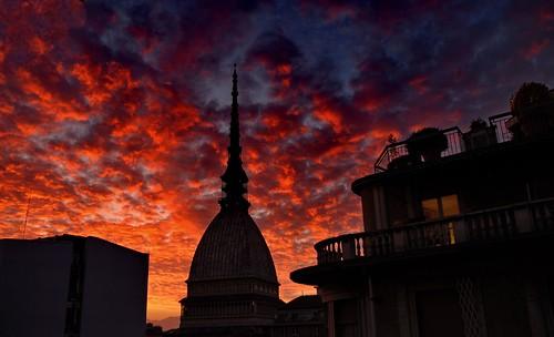 Mole - tramonto rosso