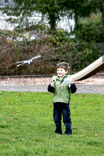 nick and his remote controlled dragonfly    MG 8738