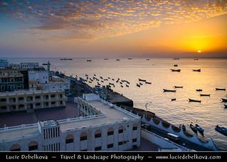 Yemen - Sunset in Al Mukhala Fishing Harbour