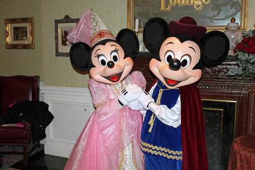 Meeting Princess Minnie and Prince Mickey