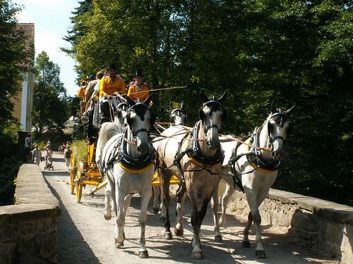 Postkutsche auf Brücke zum Jagdschloss Grillenburg 337