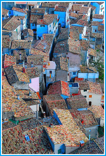 One hundred roofs