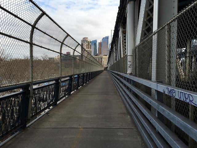 Manhattan Br Bikepath - 5045