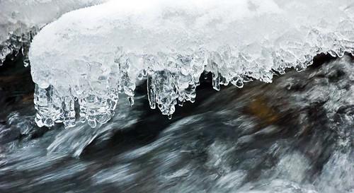 Flowing ... freezing ...