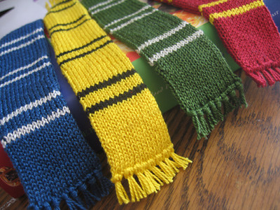 gryffindor scarf knitting pattern - Harry Potter News, Books and