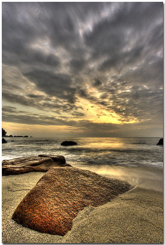 christmas morning beach rock clouds sunrise canon sand bravo wave tc 1022mm hdr kuantan pahang themoulinrouge supershot 400d platinumphoto superbmasterpiece diamondclassphotographer theperfectphotographer