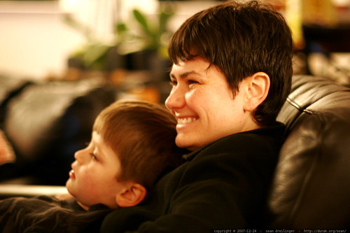 mother and son on the living room sofa    MG 7229