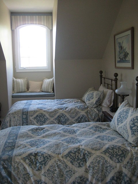 Soothing guest room in aqua | Flickr - Photo Sharing!