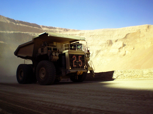 Camion Terex 240 Ton / Giant Mining Truck by Make Stanne