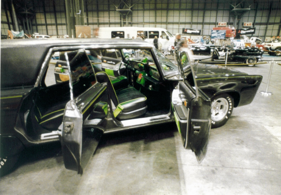 Displaying 17 gallery images for green hornet car