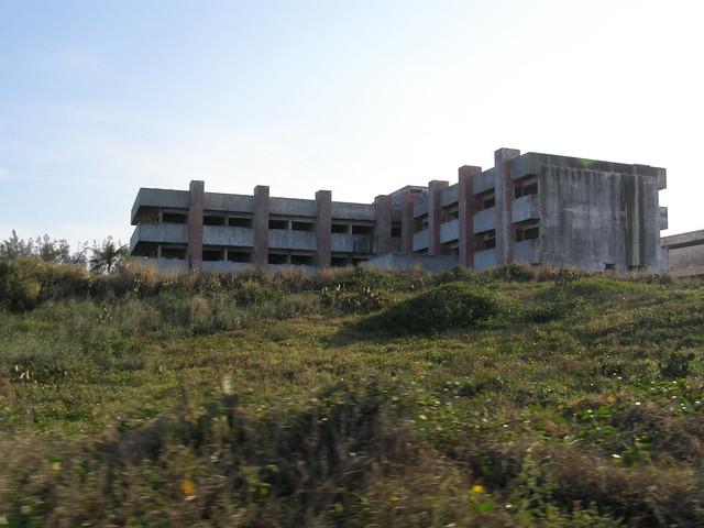 Hospital Naturista in daylight (3)