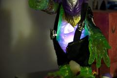 supervillain(0.0), joker(0.0), costume(0.0), green(1.0), action figure(1.0),