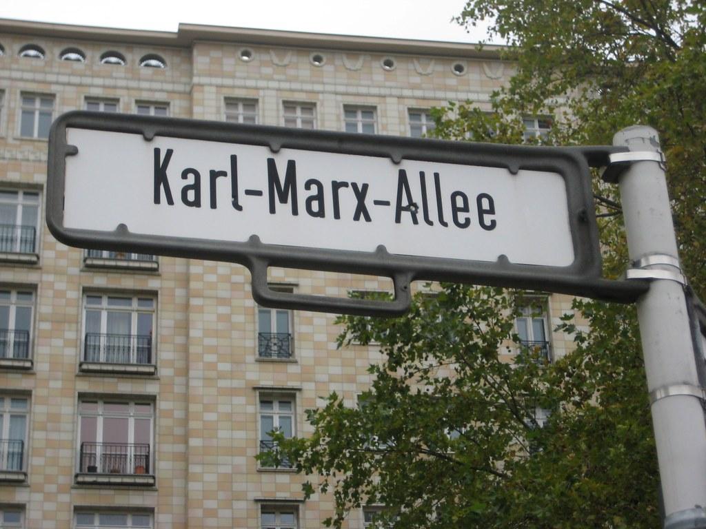 karl marx allee berlin city guide. Black Bedroom Furniture Sets. Home Design Ideas