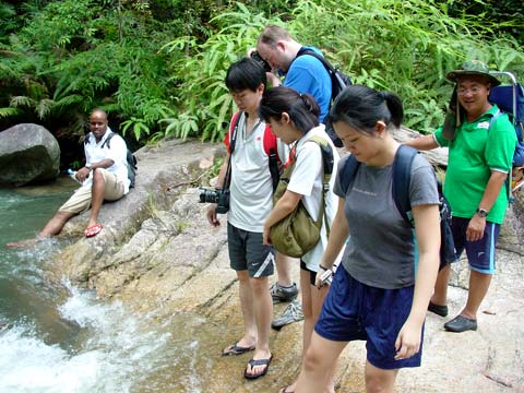Chiling Falls, Selangor - 06 - should we or shouldn't we