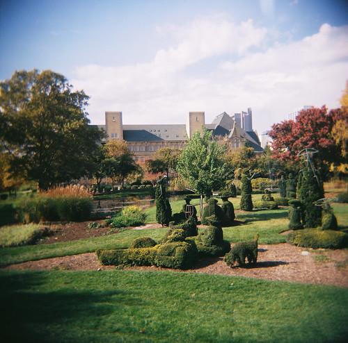 mediumformat painting holga topiary downtown columbusohio impressionist bren georgesseurat townst deafschool drvip asundayontheislandoflagrandejatte