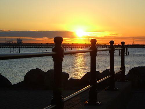 sunrise hythe southamptonwater