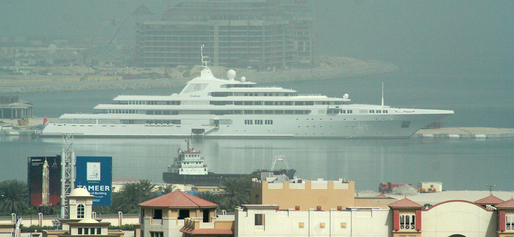 "Yacht ""Dubai"" in Front of the Palm"