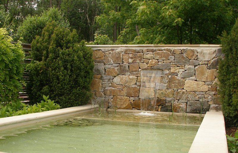 Die garten tulln 2008 ausstattung brunnenbecken 2008 05 for Garten pool tulln