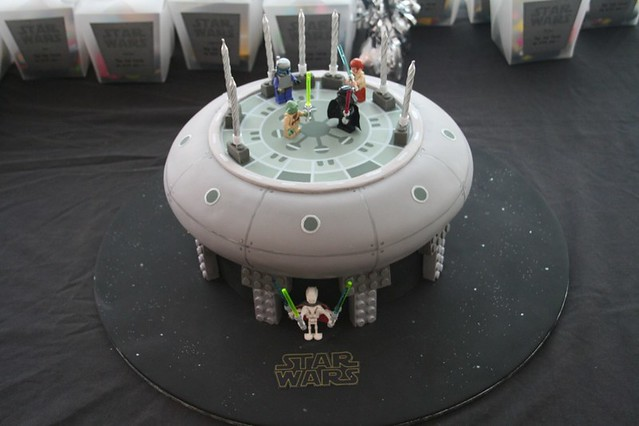 Lego Cakes: Star Wars Lego cake