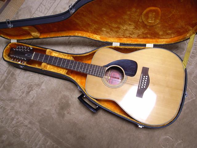 Photo:YAMAHA 12 Strings guitar FG-230 By matsuyuki