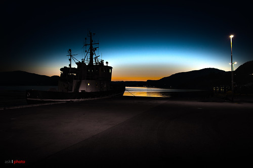 sunset norway boats ship nightshot fjord poseidon rogaland hjelmeland ryfylke norwegianfjord kystkultur coastculture hjelmelandsvågen mygearandme ringexcellence hjelmelandsfjord poseidon2 poseidonii