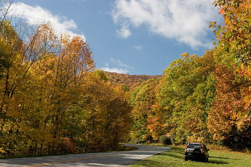A autumn drive along in the Blue Ridge Parkway