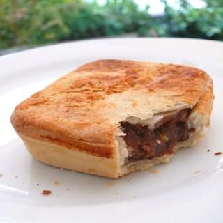 Mt Belleview, Black Welsh Beef & Merlot pie sq