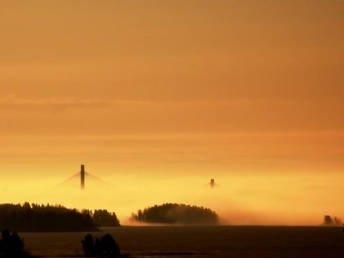 bridge lake sunrise finland nikon picasa vr 55200 päijänne kärkinen kärkistensilta d40 korpilahti rawtherapee