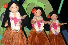 quinceaã±era(0.0), dance(1.0), hula(1.0), toy(1.0),