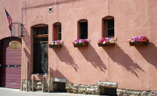 pictures trip travel red summer vacation holiday mountains flower building architecture photo highway san colorado downtown juan photos pics landscaping visit pot valley dollar million luis durango stucco slv 550