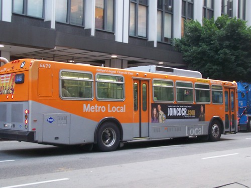 Metro Local Bus, Wilshire Blvd., Los Angeles
