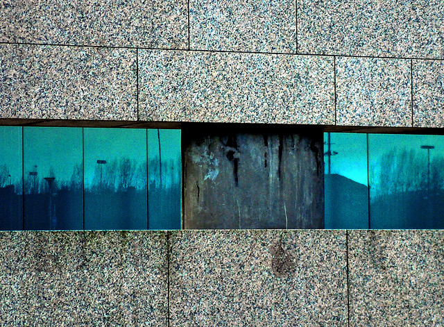 Turquoise gap