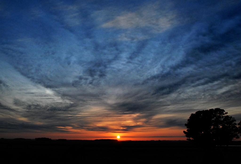 Morning skies (II)