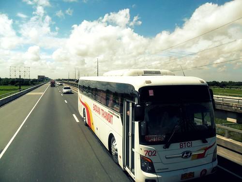 bus classic viaduct universe bataan candaba btci candabaviaduct bataantransit bataantransitcompanyinc hyundaiuniverseclassic busbataantransit eemvie candababridge universeclassic viaductphilippines