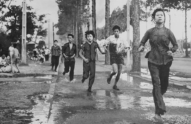 Saigon 1955 - Vietnamese Fleeing on the Street