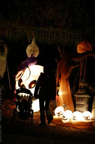 sequoia and rachel enjoying some halloween decorations    MG 5762