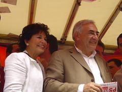 Anne Sinclair et Dominique Strauss-Kahn sur le char d'HES, du MJS et du PS