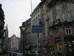 Rue de l'arc-en-ciel/Roejeboejegass, Strasbourg, France