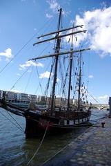 Segelschiff auf der Seine
