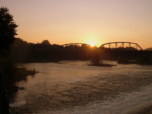 railroad train sunrise dawn newjersey pennsylvania dam nj rr pa railroadbridge lehighvalley delawareriver norfolksouthern lehighriver eastonpa cnj crrnj phillipsburgnj centralrailroadofnewjersey