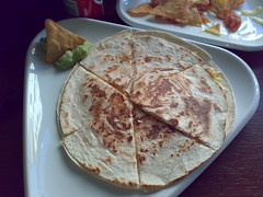 breakfast(0.0), bread(0.0), pupusa(0.0), baked goods(0.0), roti canai(0.0), meal(1.0), flatbread(1.0), paratha(1.0), tortilla(1.0), roti prata(1.0), food(1.0), piadina(1.0), dish(1.0), quesadilla(1.0), roti(1.0), cuisine(1.0), chapati(1.0),
