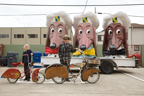 Gerrit & Slimm with Doggie Diner Heads