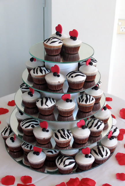 wedding cupcakes blackwhite amp red themed flickr