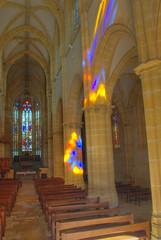 Vue de l'entrée de l'église d'Ambierle