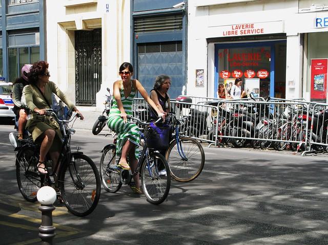 Paris Bike Culture - Cycling Sociably