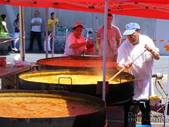 Paella gigante en Alcalá Magna