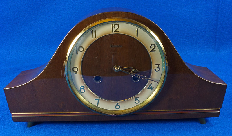 RD15275 Vintage 1941 Franz Hermle Germany Clock 2 Jewel Movement 150-010 with Original Tag DSC08986