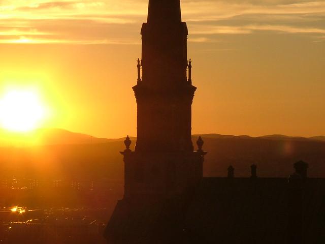 Coucher de soleil sur le clocher IV
