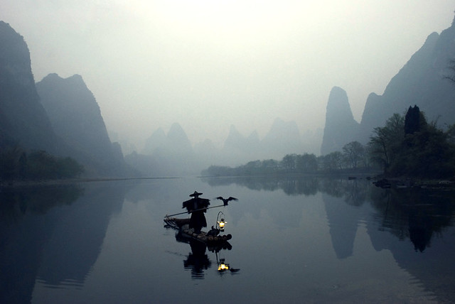 Fisherman with cormorants at Li river - Being the Best Travel Photographer